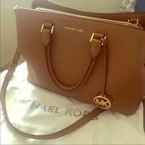 Michael Kors Medium Savannah Satchel